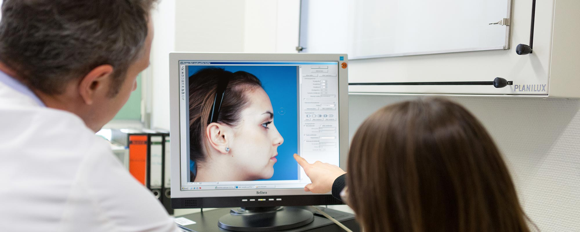 Computersimulation <br> of your nose surgery